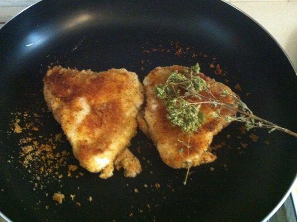 Sovracosce di pollo in padella ricetta sovracosce di pollo - Come cucinare le cosce di pollo in padella ...