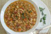 Zuppa di cereali e legumi