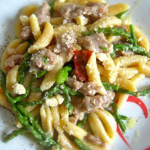 malloreddus con salsiccia e asparagi