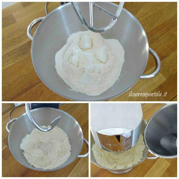 impastare farina sugna e acqua