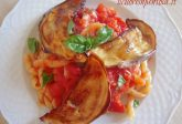 Busiate con pomodoro fresco e melanzane