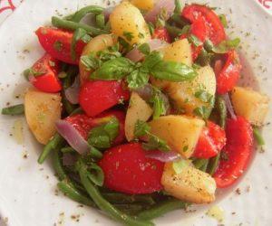 Insalata di fagiolini patate e pomodori