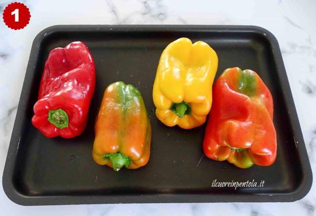 mettere peperoni su una teglia