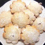 biscotti con ripieno di marmellata