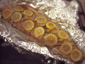 Salmone al forno con aromi