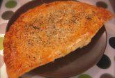 Pasta sfoglia ripiena di salsiccia e cime di rapa