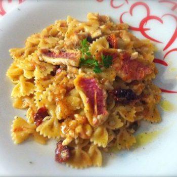 pasta con triglie e pomodori secchi
