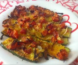 Zucchine gratinate con cipolle e pomodori