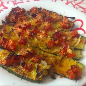 zucchine gratinate con cipolla e pomodoro