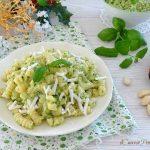 pasta al pesto di zucchine mandorle e menta