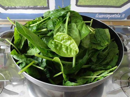 spinaci freschi in padella