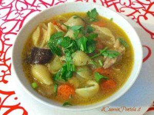 Zuppa di pollo e verdure