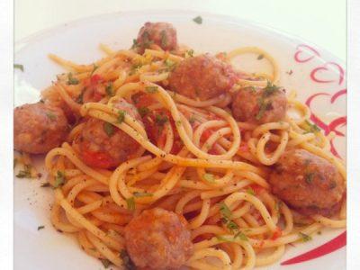 Spaghetti con polpette di carne
