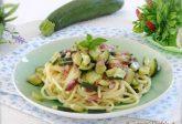 Pasta con zucchine e speck