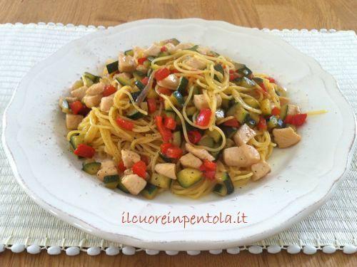 tagliolini-con-pollo-e-verdure