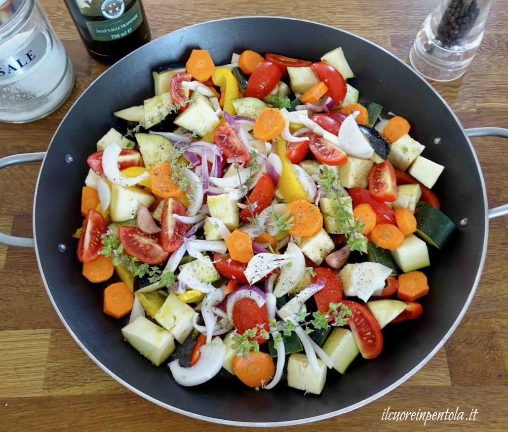 condire verdure e cuocere