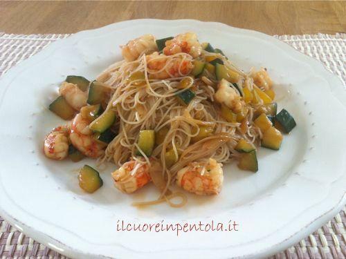 noodles con gamberi e verdure ricette di cucina con foto