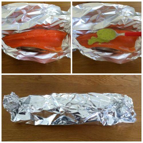 avvolgere trota salmonata nel cartoccio