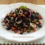 insalata di riso venere con calamari e verdure