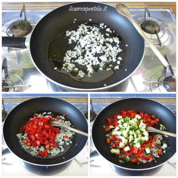 soffriggere cipolla e aggiungere peperoni e zucchine