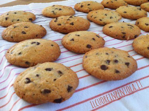 biscotti cookies arachidi e cioccolato