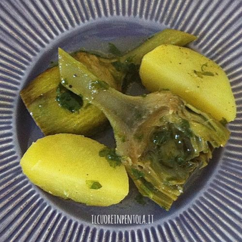 carciofi-in-umido-con-patate
