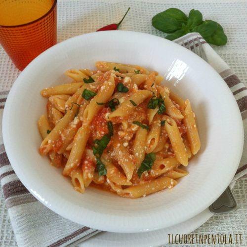 pasta-con-pomodoro-fresco-e-ricotta