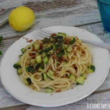 pasta con zucchine e bottarga