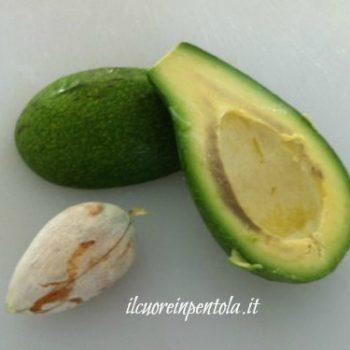 pelare_e_tagliare_avocado