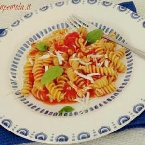 pasta_con:pomodoro_e_ricotta_salata