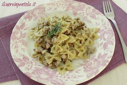 pasta con salsiccia e lenticchie
