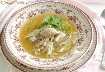 Cosce di pollo in brodo