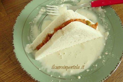 sigillare bordi crostini con pastella