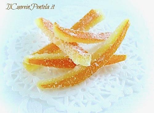 scorzette d'arancia candite ricoperte di zucchero