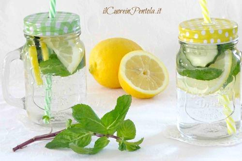 acqua detox limone cetriolo menta