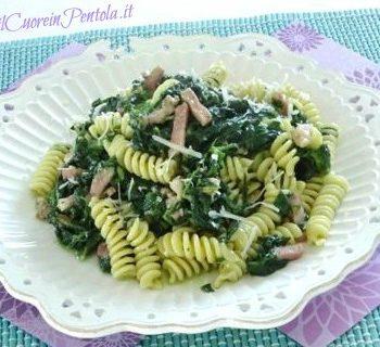 pasta con spinaci e pancetta