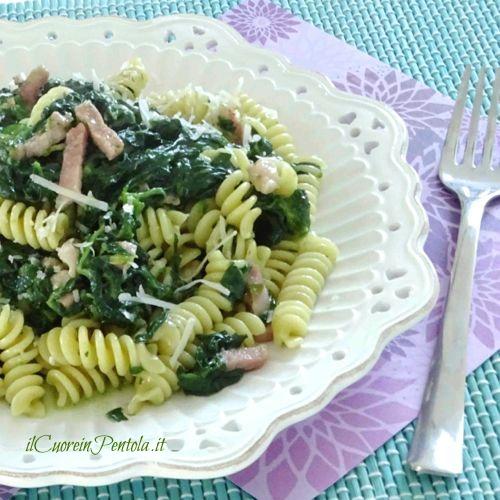 pasta con spinaci e pancetta ricetta