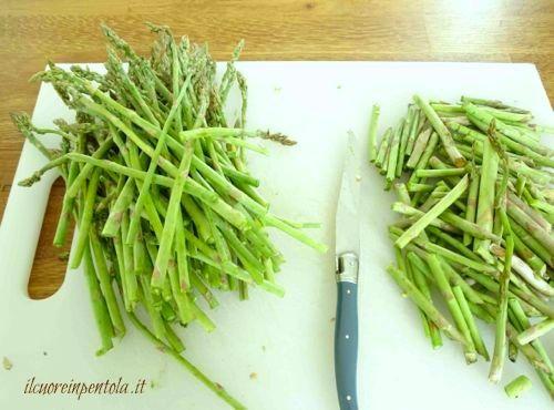 asparagi sottili puliti