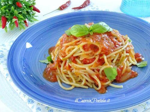 pasta al pomodoro ricetta