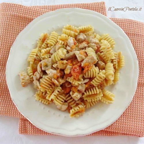pasta con ragu di pollo ricetta
