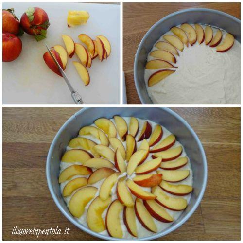 tagliare pesche a fette e disporre sulla cheesecake