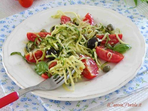 spaghetti di zucchine crudi