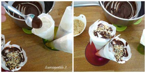 decorare cornetti con cioccolato e granella di nocciole