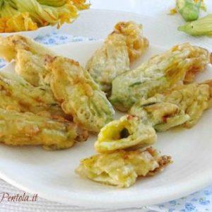 fiori di zucca ripieni fritti in pastella