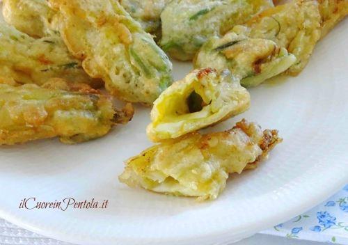 fiori di zucca ripieni in pastella ricetta