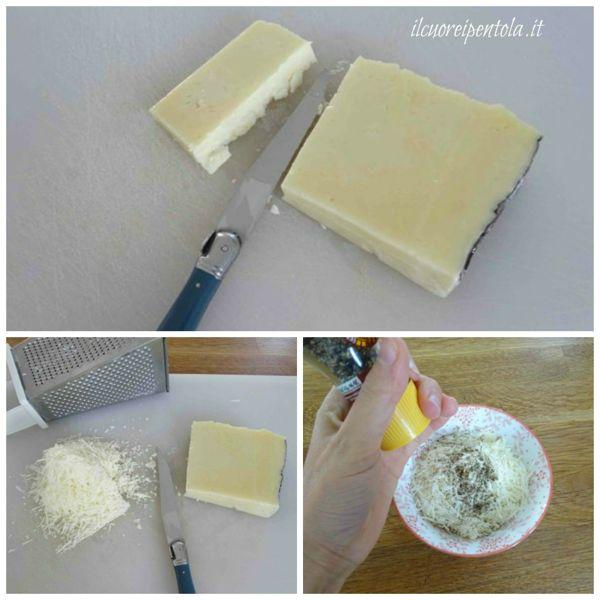 grattugiare pecorino e aggiungere pepe nero