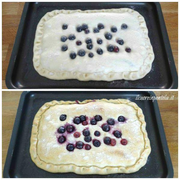 cuocere schiacciata con l'uva in forno