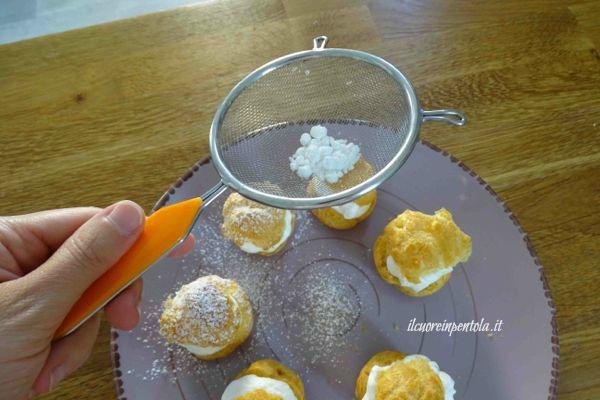 cospargere con zucchero a velo