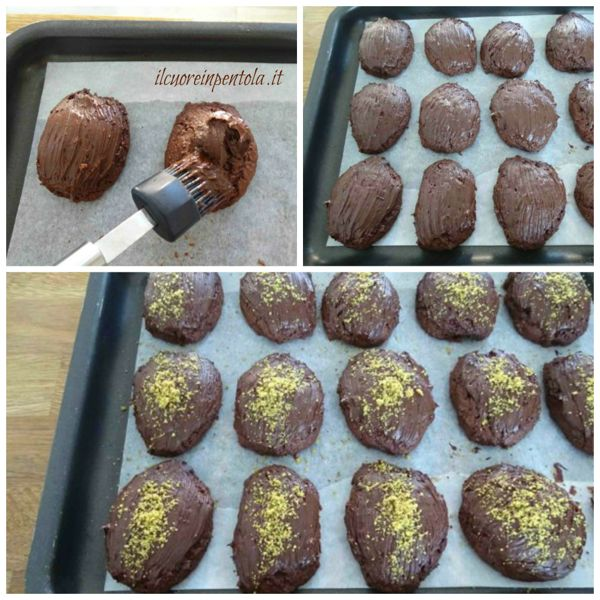 decorare con cioccolato e granella di pistacchi