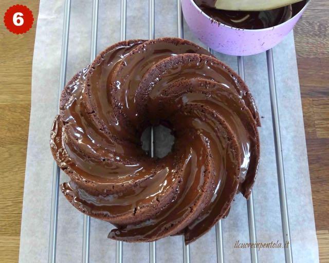 decorare torta con cioccolato fuso